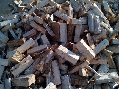 palivové dřevo smrk ŘEZANÉ 25cm štípané (12,5 MJ/kg) - IMG_20180907_085906.jpg