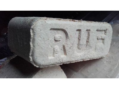 Dřevěné brikety RUF balení=10kg