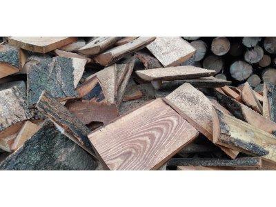 Palivové dřevo DUB ODKOR PŘÍŘEZY do 25 cm - Odkory2.jpg