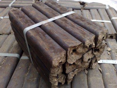 brikety dřevěné Pini Kay paleta=96bal výhřevnost 20 MJ/kg - dubove-brikety.jpg